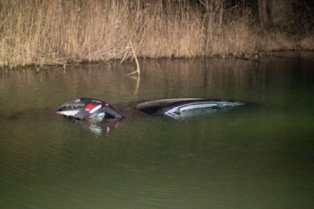 В Ирпене автомобиль с ребенком в салоне упал в реку